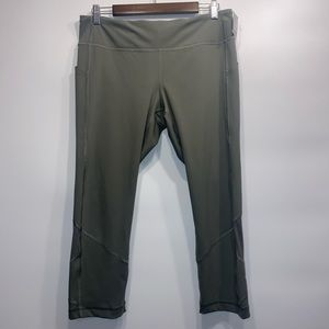 NWOT lululemon pace rival crop full on luxtreme 22